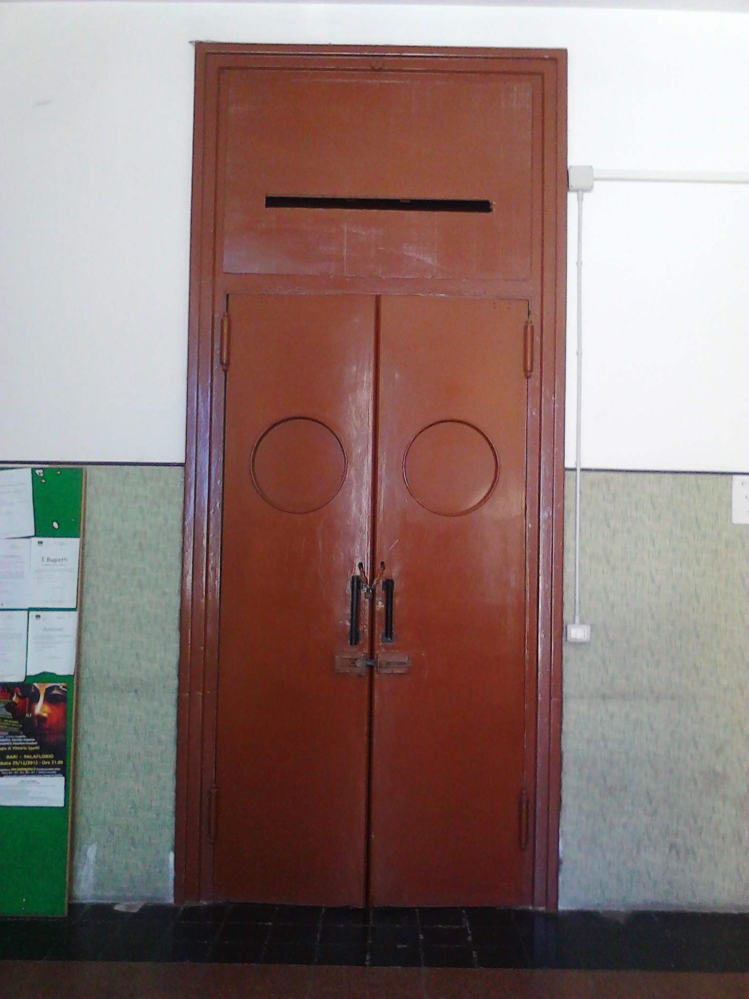 porta di ingresso alla sala